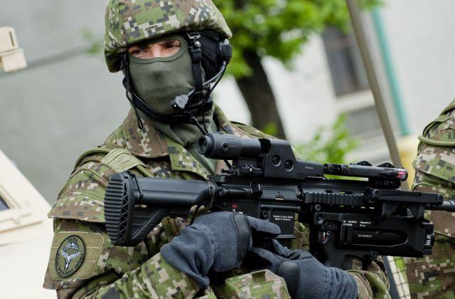 Foto: Příslušník 5. pluku speciálního určení ze Žiliny. / OSSR