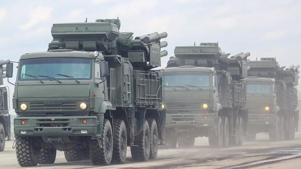Foto: Jednotky PVO s vozidly Pantsir S1 na pochodu. / TASS, Valerij Šarifulin