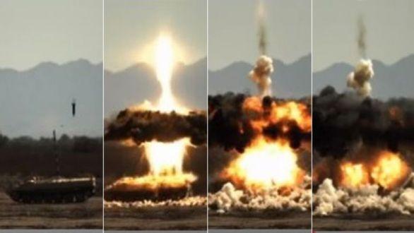 """Foto:  """"Chytrými granáty"""" lze na vzdálenost 18 kilometrů ničit i obrněnou techniku. / Raytheon"""