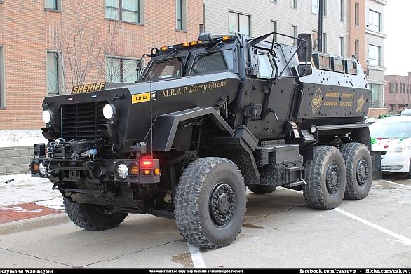Foto: Policejní MRAP Caiman. / Raymond Wambsgans; cc-by-sa-2.0.