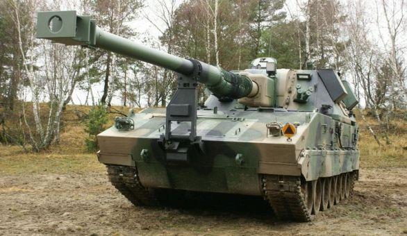 Foto:  Huta Stalowa Wola vyrobila již deset prototypů třech verzí. Nekolik kusů složí již v polské armádě. / Wojska Lądowe