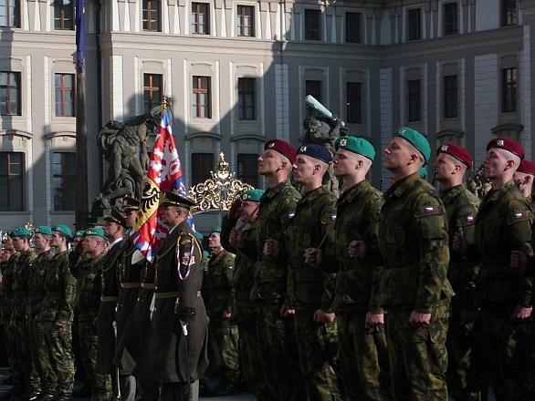 Foto: Slavnostní přísaha nových vojáků 28. října 2014. / Hana Zelená