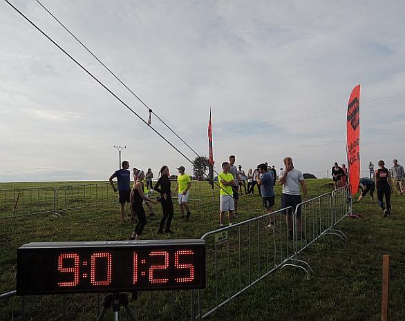 Foto: První borci čekají na start... marně. / Jan Grohmann