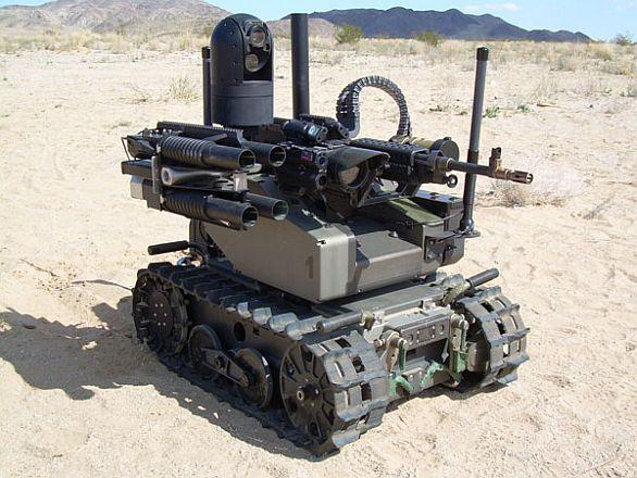Foto: Pozemní bojový robot MAARS je ovládán strojem. Chceme dát strojům možnost rozhodovat o životě a smrti člověka? / QinetiQ