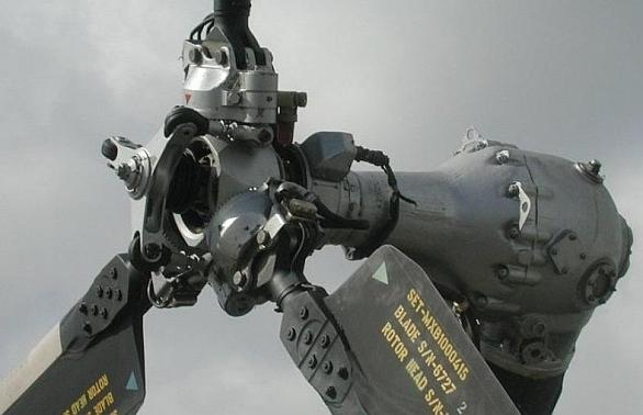 Foto: List rotoru vrtulníku Mi-17. / Létající hroši