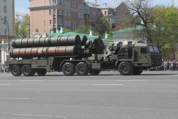 Foto: S-400 na přehlídce v Moskvě / Kremlin.ru, CC BY 3.0