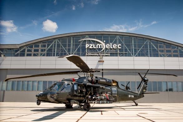 Foto: Vrtulník S-70i s výzbroji; větší foto / PZL Mielec