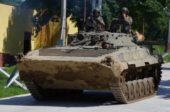 Foto: Bojové vozidlo pěchoty BVP-2 slovenské armády. Ministerstvo obrany Slovenské republiky rozhodlo modernizovat 18 vozidel; ilustrační foto / MO SR