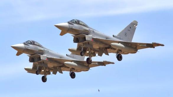 Foto: Španělské Eurofightery; větší foto / Ejército del Aire