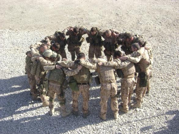 Foto: Čeští vojáci v Afghánistánu budou i přes Vánoce. / 7. strážní četa BAF