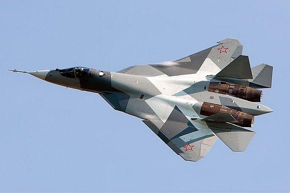 Foto: Základem rusko-indického víceúčelového stíhače se stane Suchoj T-50. / Suchoj