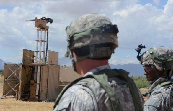 Foto: Robotická strážní věž na cvičení NIE 16.1 / U.S. Army