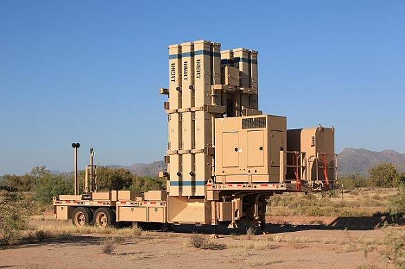 Foto: Americká společnost Raytheon vyvinula mobilní odpalovací zařízení TEL (Transporter-erector-Launcher) pro systém David prak. / Raytheon