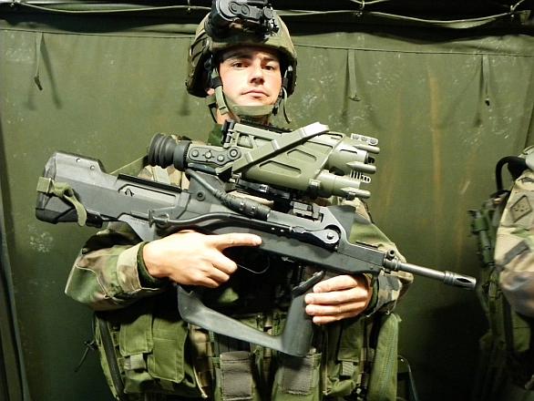 Foto: Sagem vyvinul zaměřovač  SWORD T&D pro program francouzského vojáka budoucnosti Felin. /  Sagem