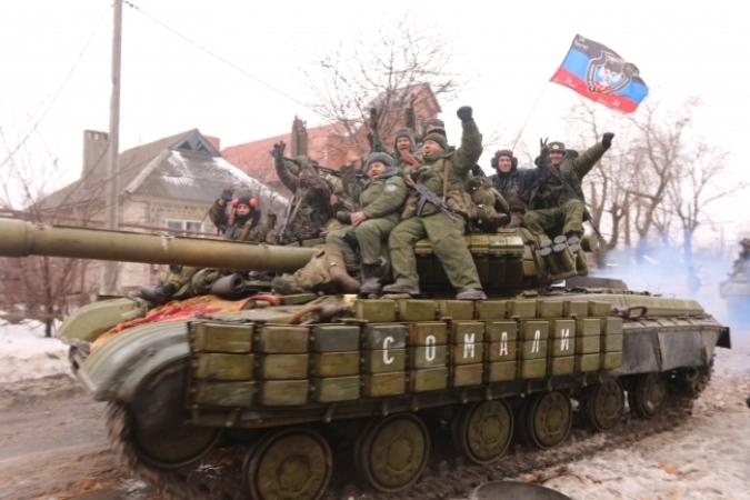 Foto: Proruští separatisté s T-64BV na východě Ukrajiny. / Autor neznámý
