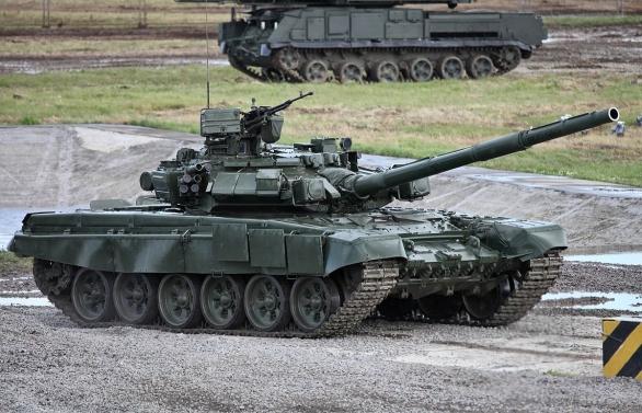 Foto: T-90A; větší foto / Vitaly V. Kuzmin; CC BY-SA 3.0