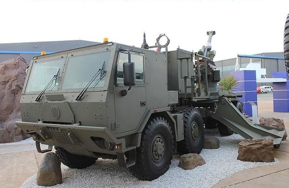 Foto: Houfnice T5-52 na podvozku Tatry. / Denel Land Systems
