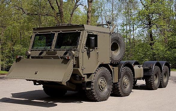 Foto: Szczęśniak nabízí polské armádě i tahač valníku postaveném na základě Tatry T 815 – 7Z0N9T 44 440 8x8.1R. / Szczęśniak