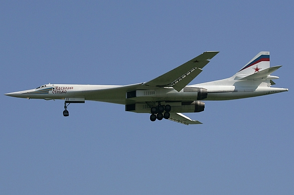 "Foto: Tu-160 ""Blackjack"" / Dmitry Pichugin, GFDL 1.2"