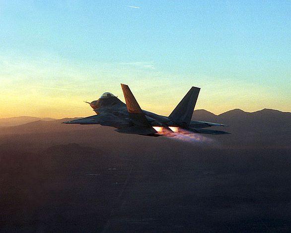 Trysky F-22