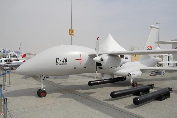 Foto: Bezpilotní letadlo United-40 dokáže shazovat malá torpéda; větší foto / Adcom Systems