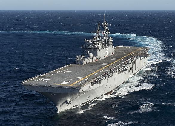 Foto: USS America při plavbě kolem Jižní Ameriky; větší foto / U.S. Navy