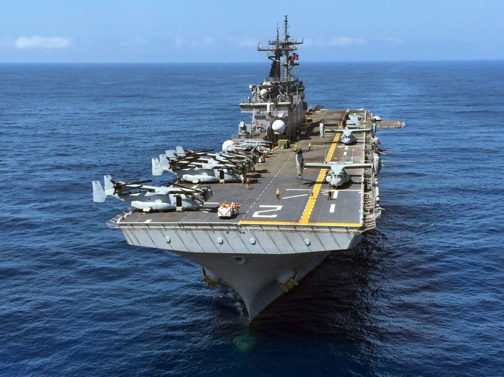 Foto: První 3D tiskárna je umístěná na výsadkové lodi USS Essex; větší foto / U.S. Navy