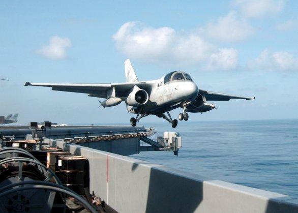 Foto: S-3B Viking byl vyřazen z výzbroje námořnictva v roce 2009; větší foto / Public Domain
