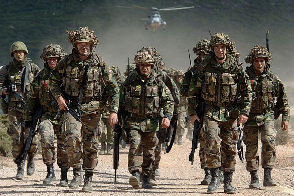 Polsko požaduje 10 000 vojáků NATO na svém území