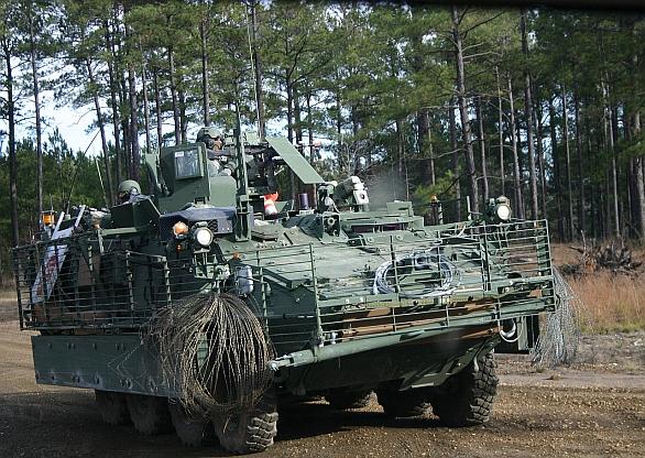 Foto: Miliardový obchod si nechce nechat ujít ani General Dynmics. Oficiálně se soutěže nezúčastní, o to více lobuje v zákulisí. Existuje také možnost, že část vozidel (např. zdravotnické) pro program AMPV budou postaveny na kolové platformně Stryker. / U.S. Army