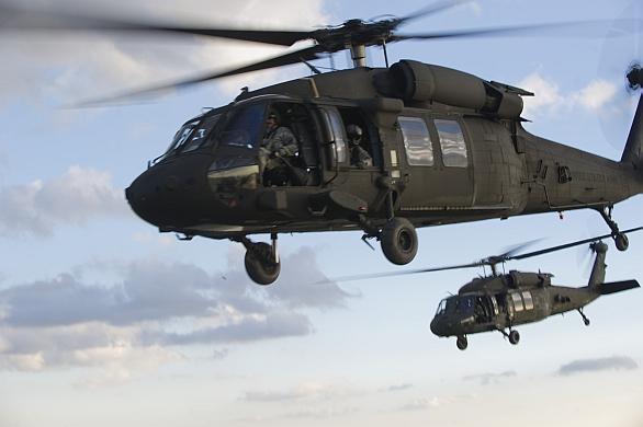 Foto: Vrtulníky UH-60M Black Hawk; větší foto / U.S. Army