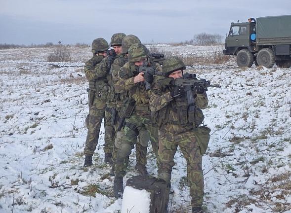 Foto: Příslušníci 71. mechanizovaného praporu na prvním letošním polním výcviku. / kpt. Radek HAMPL