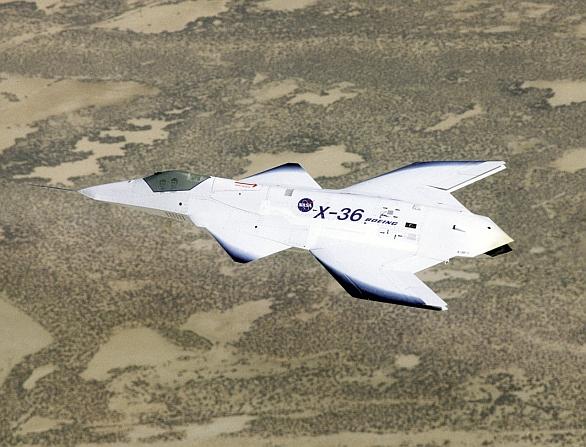 """Foto: V roce 1997 McDonnell Douglas úspěšně otestoval """"bezocasý"""" experimentální letoun X-36. Jde o předobraz stíhaček 6. generace? /  McDonnell Douglas"""